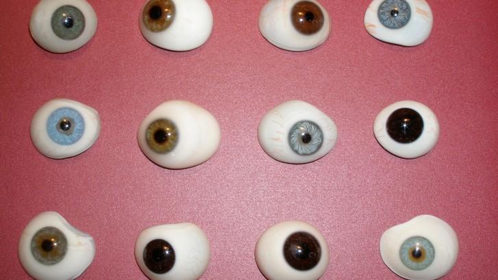 Proteze oculare