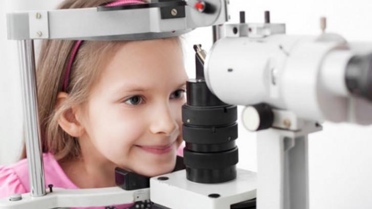 La ce virsta se face primul control oftalmologic